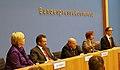 Vorstellung von Beate Klarsfeld in der Bundespressekonferenz (2012) 4.jpg