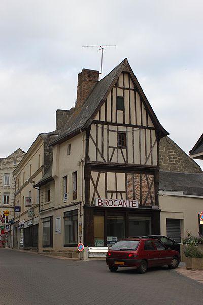 Maison à pans de bois, Fr-49-Doué-la-Fontaine.