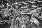 WAR INDUSTRY IN BRITAIN 1939-1945 L103.jpg