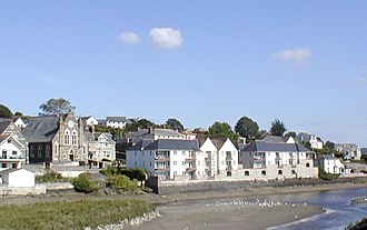 Wadebridge - Looking towards the Methodist church from the bridge