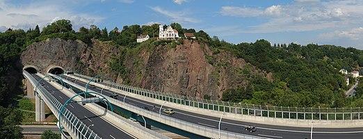 en:Bundesautobahn 17 crossing the Weißeritz valley near Dresden, Germany