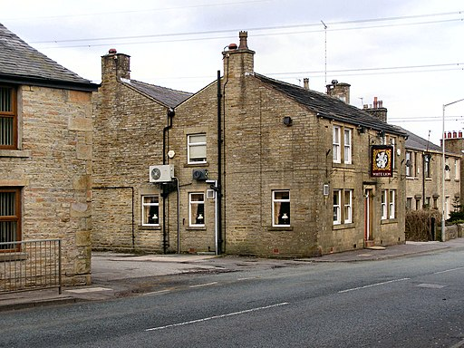 Creative Commons image of The White Lion in Rochdale
