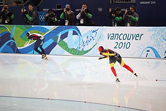 Speed skating at the 2010 Winter Olympics – Women's 5000 metres - Martina Sáblíková (CZE - out) and Daniela Anschütz-Thoms (GER - in) in the final 8th pair of the 5000m race.