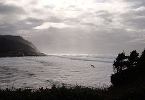 Yachats River estuary mouth.jpg