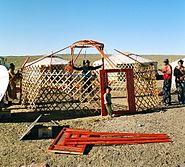 Yurt-construction-1