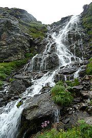 Zillertal GreizerHtt Wasserfall 2015-07.JPG
