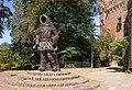 Zutphen, sculptuur Thonis Drogenap ontwerp Oscar Rambonnet IMG 5660 2018-07-15 10.28.jpg