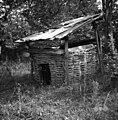 """""""Ševnica"""" (sušilnica za sadje). Deli - streha, lesa, """"pletur"""" (obod), istje (za kurit), Dolenje Mokro Polje 8 1952 (2).jpg"""