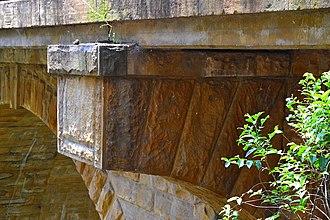 Lapstone Zig Zag - Image: (1)Knapsack Viaduct 3