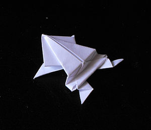 Action origami - Jumping frog