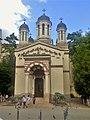 Історичний центр Бухареста у червні 2018 04 православна церква.jpg