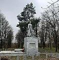 Братська могила радянських воїнів у селі Малий В'язівок.jpg