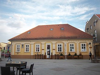 Vinkovci - Building in the city center