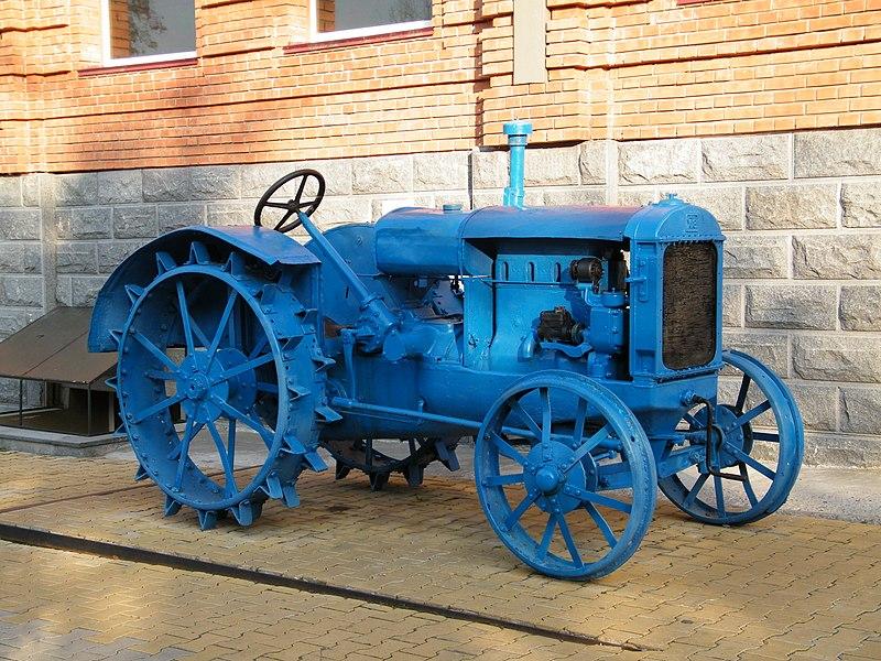 Kharkov Tractor Plant 800px-%D0%A1%D0%A5%D0%A2%D0%97_15-30_%D0%B2_%D0%A5%D0%B0%D0%B1%D0%B0%D1%80%D0%BE%D0%B2%D1%81%D0%BA%D0%B5