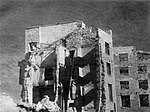 Севастополь. Разрушенный жилой дом на улице Карла Маркса.jpg