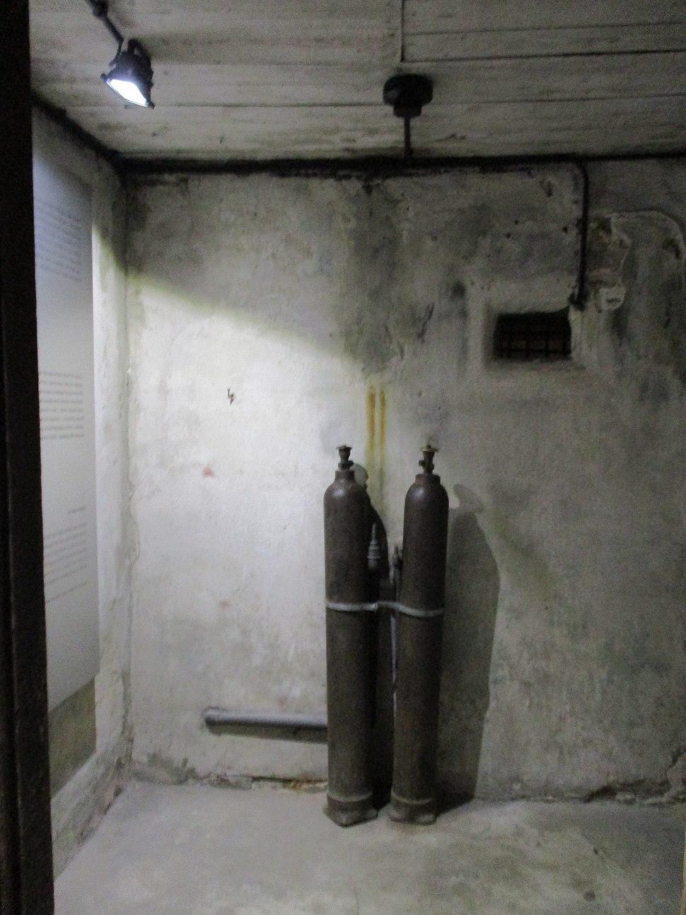 מיידנק, חדר בקרת גז