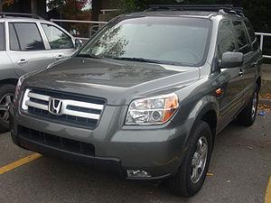 2006-2008 Honda Pilot photographed in Montreal...