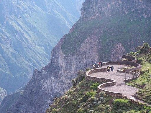 Mirador Cruz del Condor, cañón del Colca