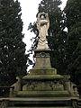 121 Tomba d'Anselm Coma, àngel de Rafael Atché.jpg