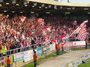 Derry City F.C. - Derry City supporters in the Brandywell