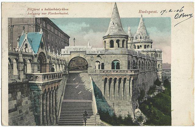 Bastion des pécheurs de Budapest sur cette ancienne carte postale.