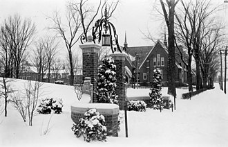 Bates College - The college's garnet gateways, 1906