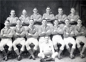 Len Smith (rugby) - Smith, (back row 3rd from left) in the Newtown 1943 premiership team