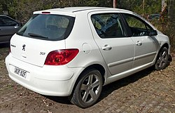 2001-2005 Peugeot 307 (T5) 5-door hatchback 02.jpg