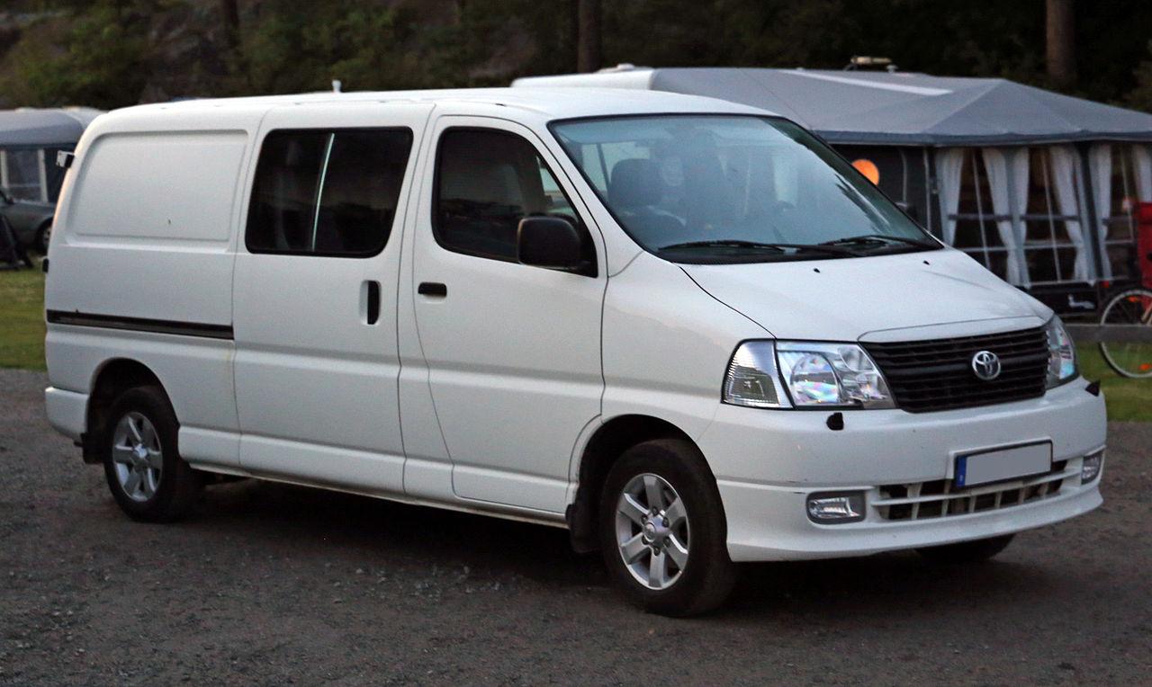 File:2007 Toyota Hiace Van LWB KLH22.jpg - Wikimedia Commons