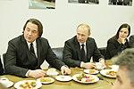 2011-02-03 Владимир Путин с коллективом Первого канала (1).jpeg