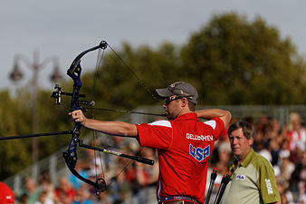 2013 FITA Archery World Cup - Men's individual compound - Final - 04.jpg