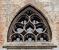 2016-Maastricht, St-Servaasbasiliek, Pandhof, oostelijke kloostergang, raam 3a boven deur.jpg