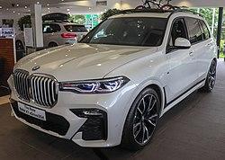 2019 BMW X7 xDrive30d M Sport 3.0 Front.jpg