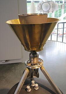 Liquid apogee engine