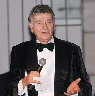 Barrie Ingham English actor