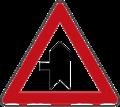 A04 znak spajanje sporedne ceste pod pravim kutom s lijeve strane.png