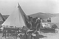 A FAMILY MOVING THEIR FURNITURE INTO A TENT AT KIBBUTZ HAZOREA. משפחת חלוצים מכניסה את רהיטיה אל אוהל בקיבוץ הזורע.D16-101.jpg