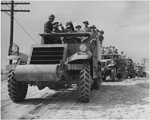 Mechanized infantry - U.S. M3 halftracks and infantry on exercises, Fort Knox, June 1942