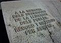 A la memòria dels defensors de la llibertat dels pobles. Record i gratitud per sempre. Tomba dels brigadistes internacionals a Benissa.JPG