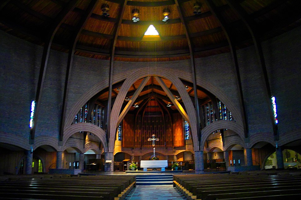 Abbey inside shot2
