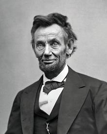 Lincoln con levita y chaleco. El chaleco resulta una prenda imprescindible  en ... 5d20a7785a6