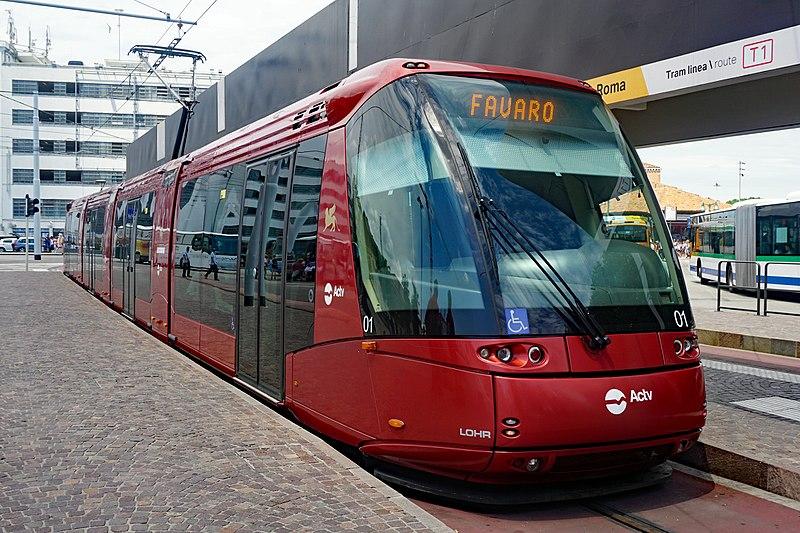 File:Actv tram Venezia leaving Piazzale Roma 2017.jpg