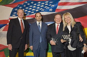 English: American billionaire Sheldon Adelson ...