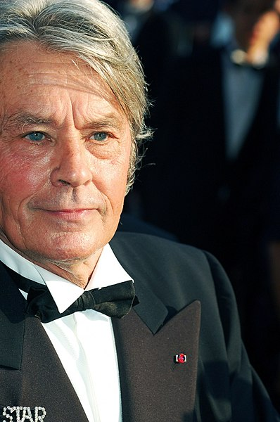 Fitxategi:Alain Delon Cannes.jpg