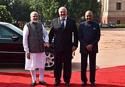 Alexander Lukashenko being received by the President, Shri Ram Nath Kovind and the Prime Minister, Shri Narendra Modi, at the Ceremonial Reception, at Rashtrapati Bhavan, in New Delhi (1)