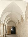 Andria, particolare del chiostro di San Francesco.jpg