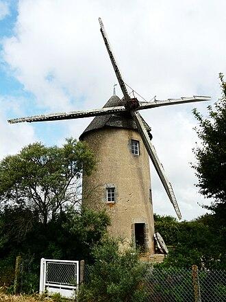 Argenton-les-Vallées - The windmill in Argenton-les-Vallées