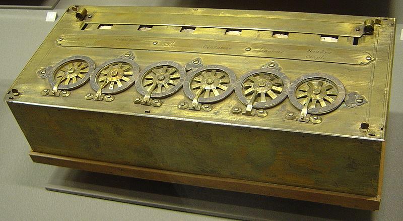 Pascalina (calculadora mecánica creada por Blaise Pascal) del año 1652.