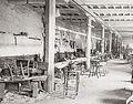 Atelier de chaiserie de Fort Vauban en 1890 à Nîmes.jpg