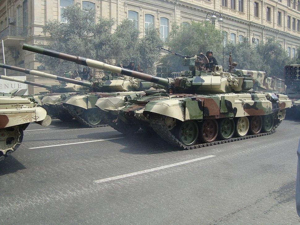 Azeri T-90, parad in Baku, 2013